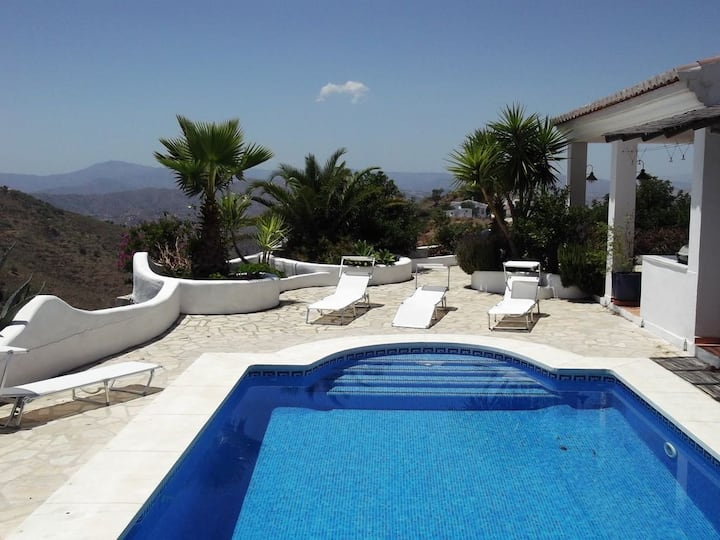 Luxury Contemporary Villa with private pool,