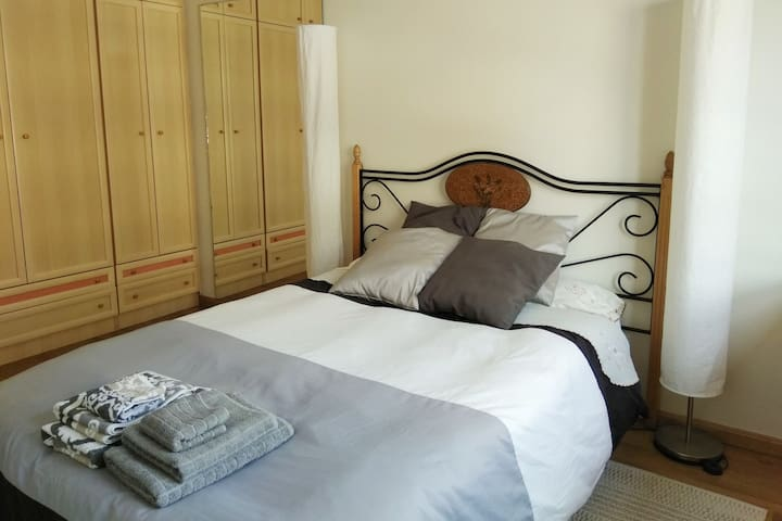 Room in Graus, at the foot of the Pyrenees!