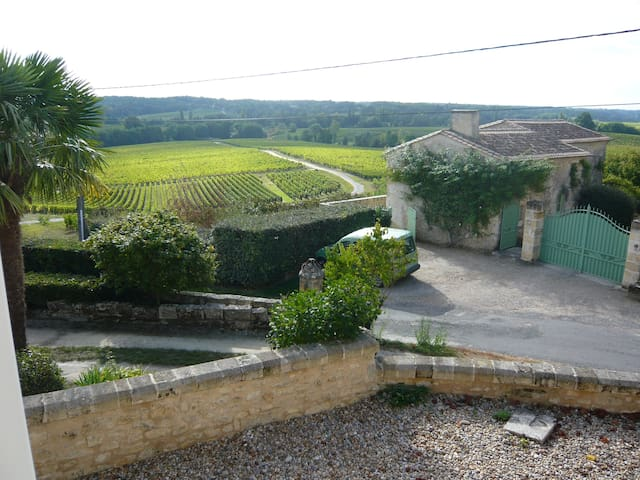 Maison au coeur des vignes proche de Saint-Emilion - Puisseguin - Casa