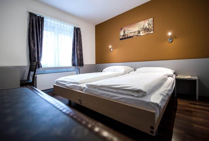 Alexander Guesthouse Zürich - Doppelzimmer (Wlan)
