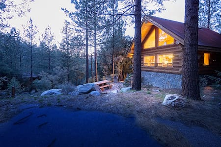 The Log Getaway - Pine Mountain Club - Cabana