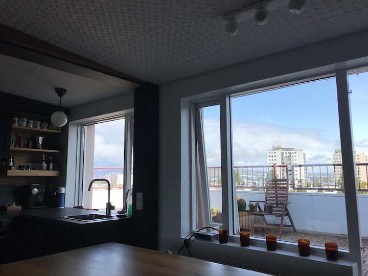 Apartment with a view. Centrally located