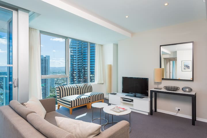 5 Star H Residence - Modern 1 Bed 1 Bath Apartment - Surfers Paradise - Apartment