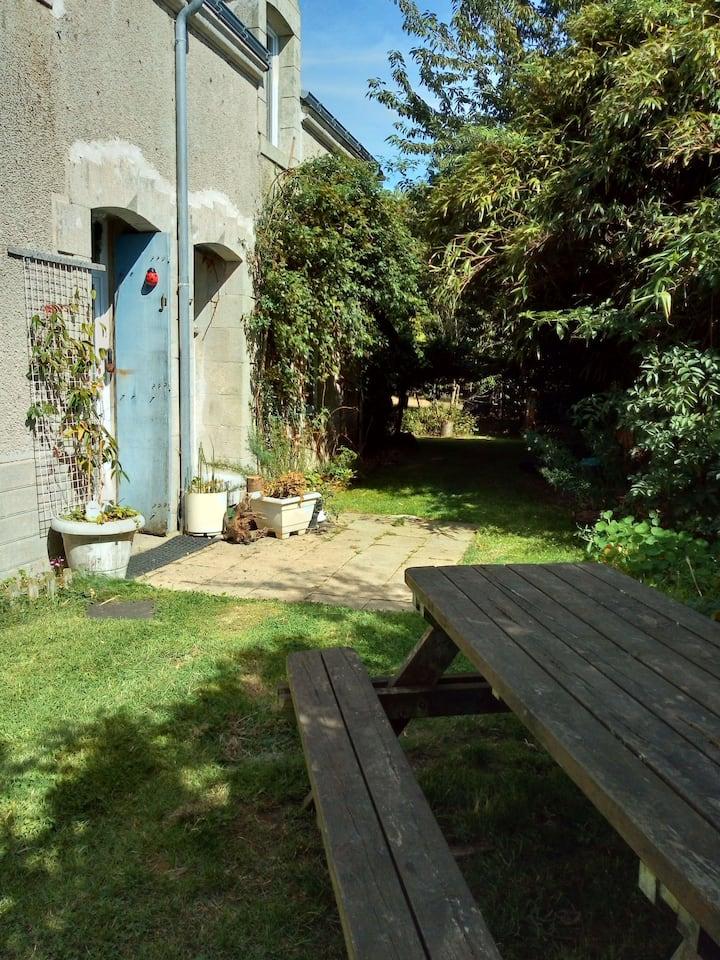 Maison de campagne lumineuse avec grand jardin