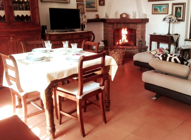 Relax in large cozy house near Monza park & Milan