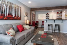 Beautiful, Newly Remodeled, Cherry Condo Retreat