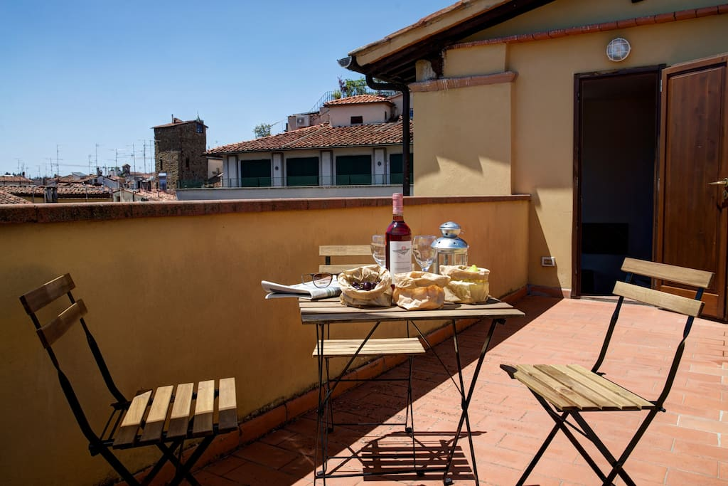 Another photo of the terrace, with a view over Florence