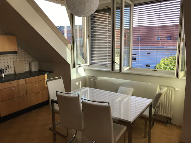 Beautiful, bright 2-room flat in the city center