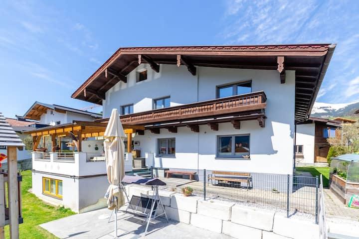 Hermosa casa de vacaciones cerca de la zona de esquí en Piesendorf