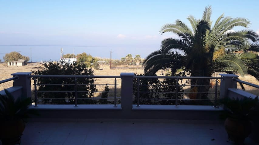 Beautiful House with great view (Mytilene) - Mitilini - Hus