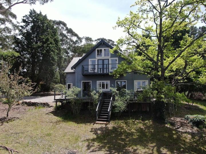 Stunning Private Escarpment House