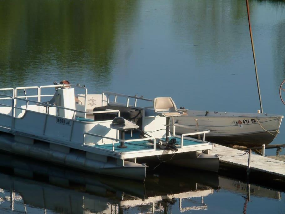 Pontoon & Rowboat
