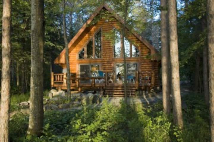 Eaglesnest-Log Home