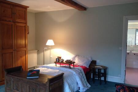 Chambre chez La Plume de Vallombreuse