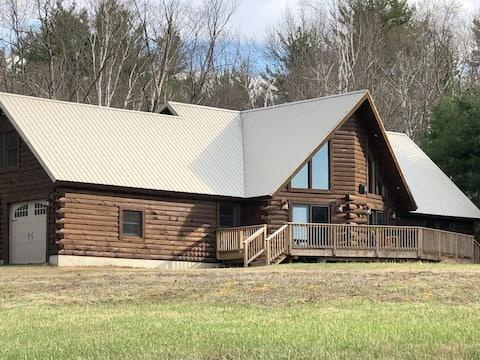 Log Cabin Retreat close to Gore & Lake George