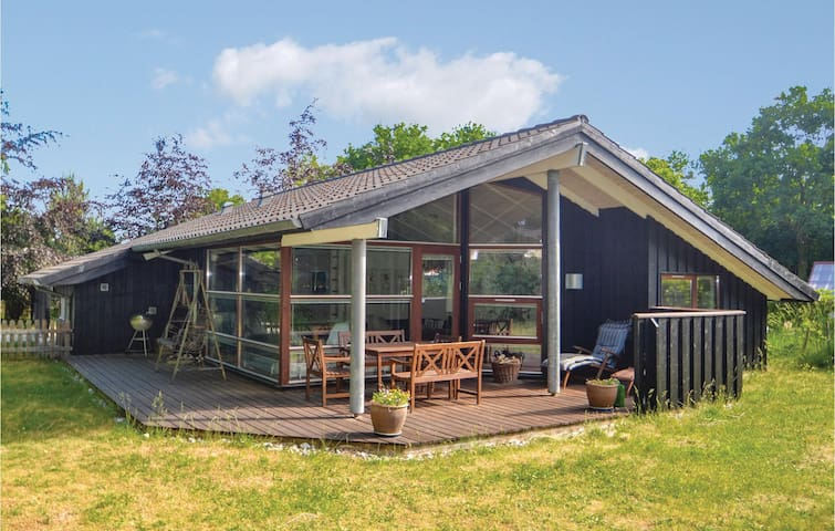 Holiday cottage with 3 bedrooms on 86m² in Glesborg