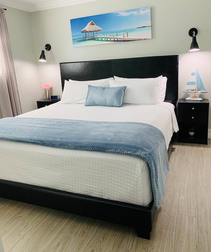 🏖SEA BREEZE HOME🏝Enjoy, Relax & Explore Tampa Bay