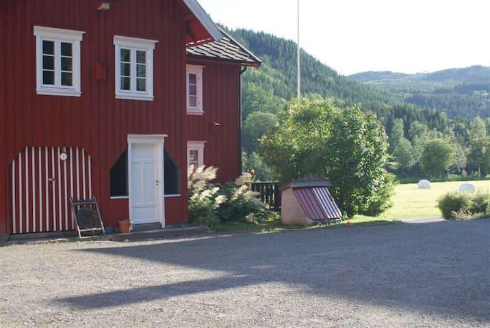 Kjeldbergnes Farm, farm life and salmon fishishing