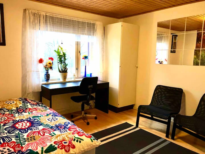 A room for rent-40 min from Stockholm C