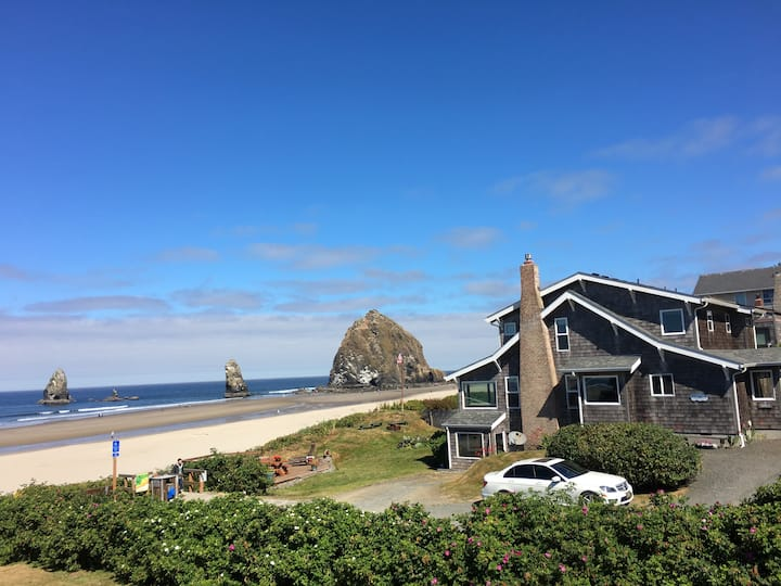Ocean Front Home in Cannon Beach