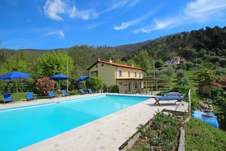 Il Segreto - Wonderful Villa with Seaviews for 8 People, Private Pool, WIFI