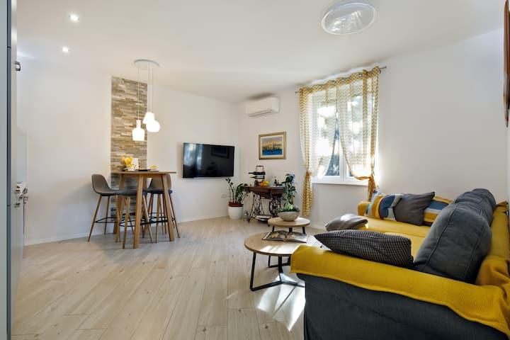 Modern apartment near city centre - Apartment Ra