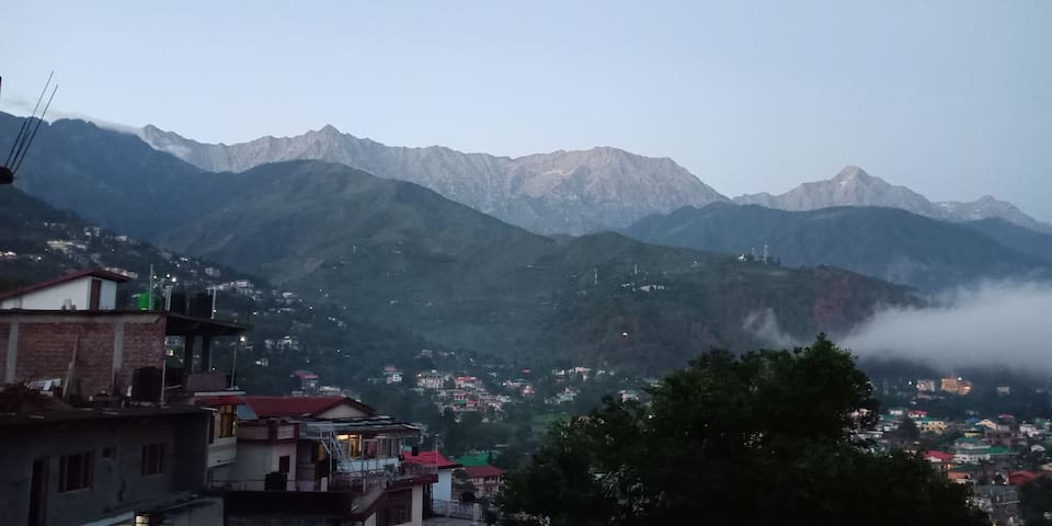 Shri Ram hillside stay