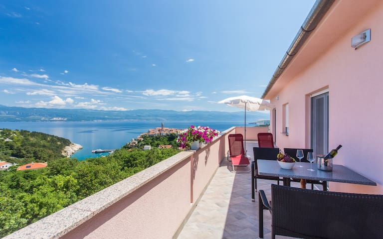 Apartment Ane 2 with breathtaking sea view