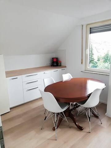 Wohnung im DG zwischen Stuttgart und Ludwigsburg