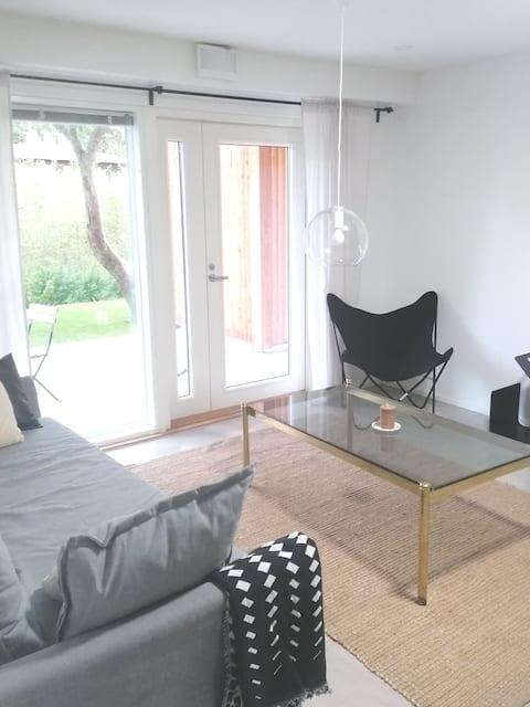 Beautiful 3 bedroom apartment w terrace & sauna
