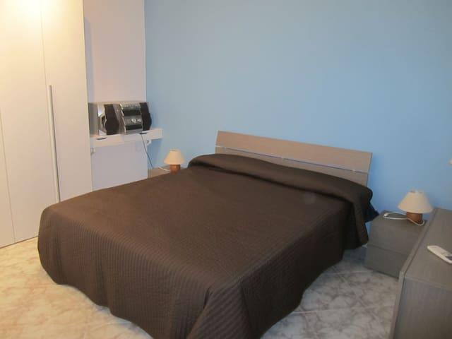 Stanza in villa - Palermo - Apartment
