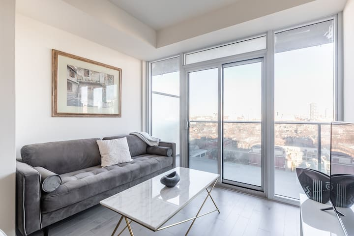 Urban Retreat in the Heart of Downtown w parking
