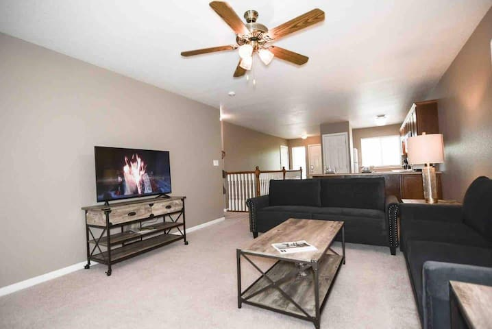 *GBAC Certified* Professionally Cleaned Home S1305
