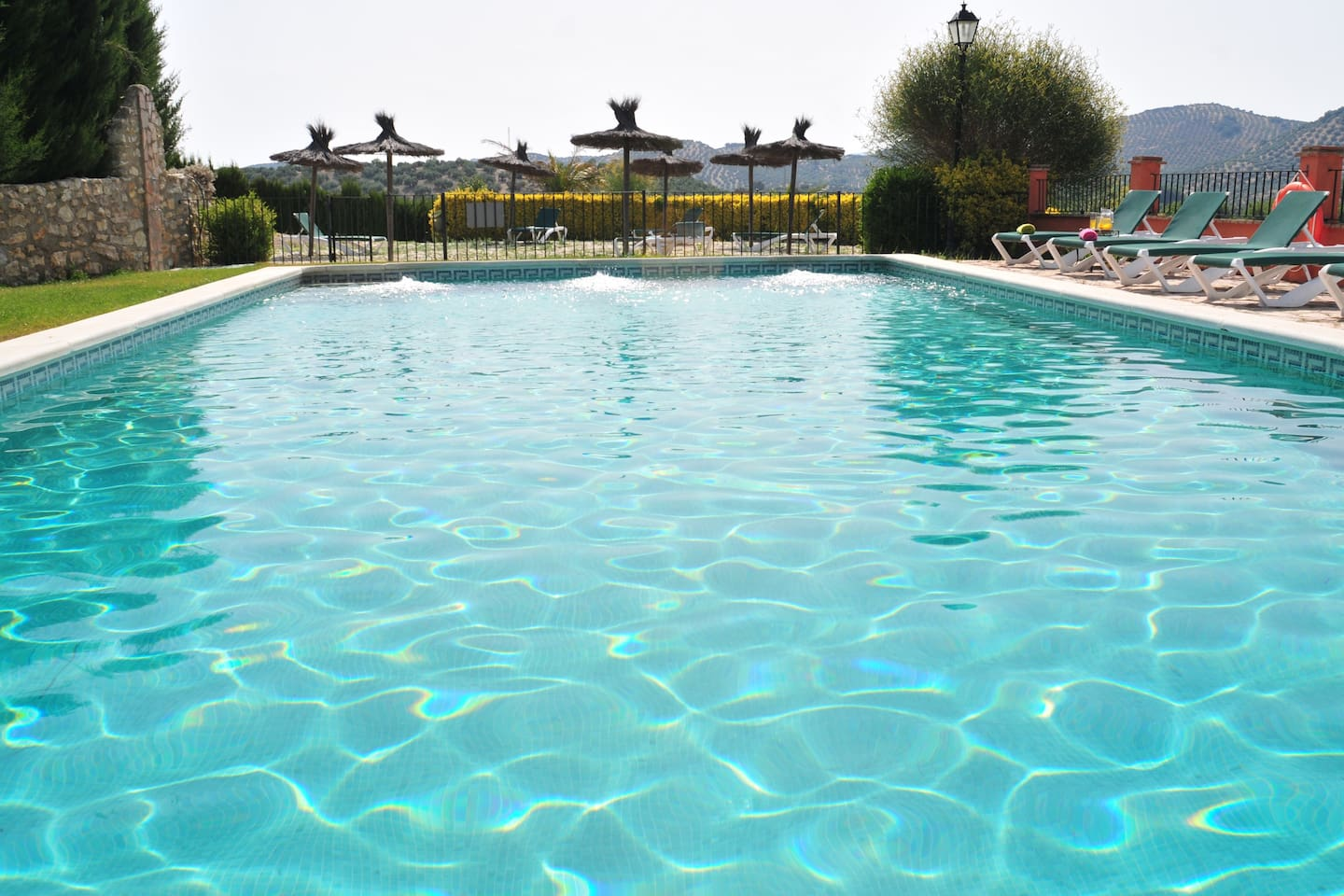 Cortijo La Presa offers self-catering accommodation with swimming pool