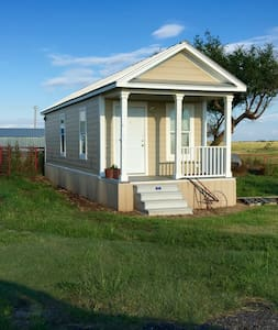 Tiny House in the Country - Freedom