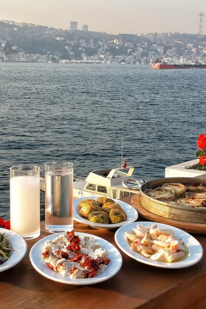 Seaside and condiments with Raki!