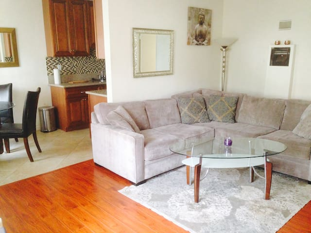 1 bedroom in the heart of West Hollywood - West Hollywood - Apartment