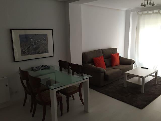 Apartamento en el centro de Oviedo. - Oviedo