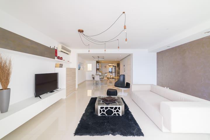 Brand New Sea Front Apartment in Sliema