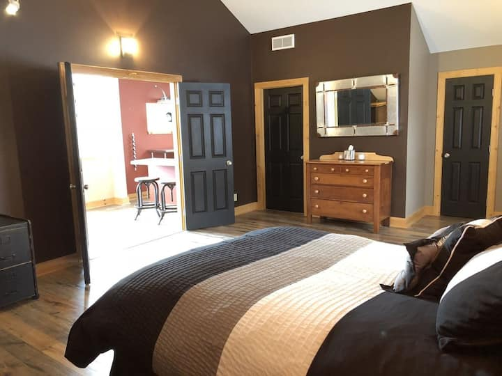 Relax and unwind at the Leelanau Loft!