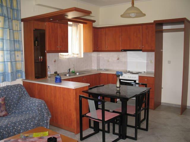 IRIS - Karlovasi - Wohnung