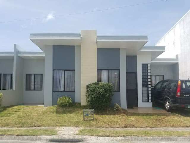 Fully Furnished 2 Bed Room Pod Unit in Talisay - Talisay - Wohnung
