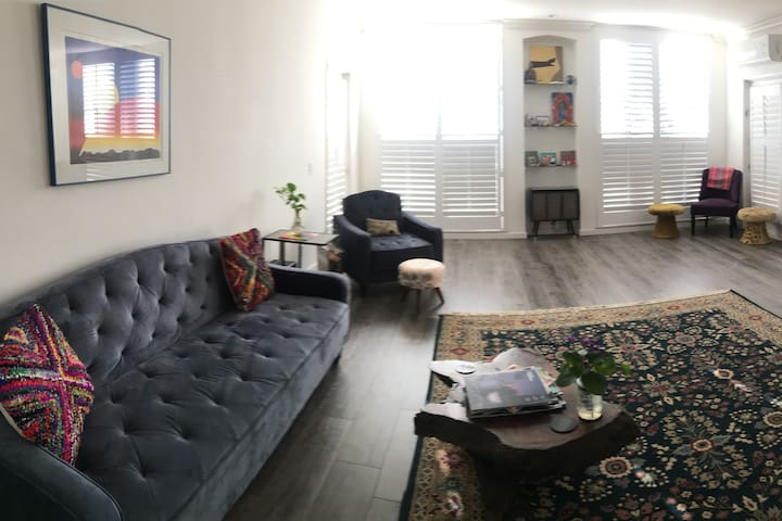 Bright and Airy 2 Bed, 2 Bath Apt
