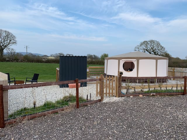 Modern yurt with on site Spa nr Jurassic coast
