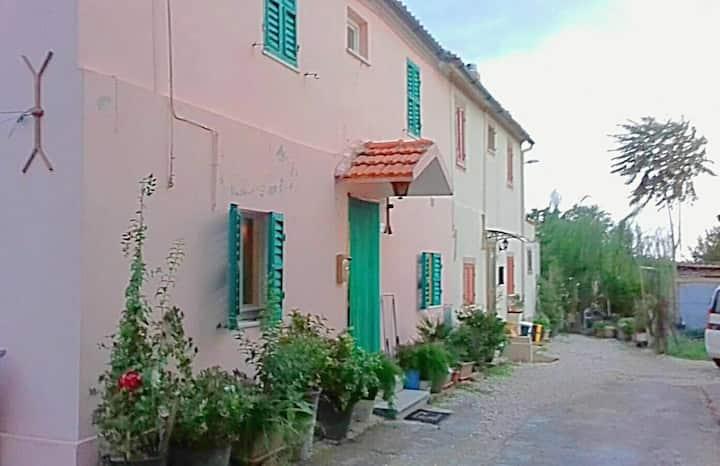 Casa 80mq  a 800 metri da Ostra centro