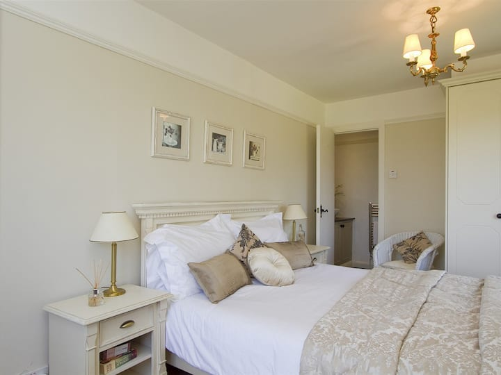 Superior Double Room@High Grassings Country House