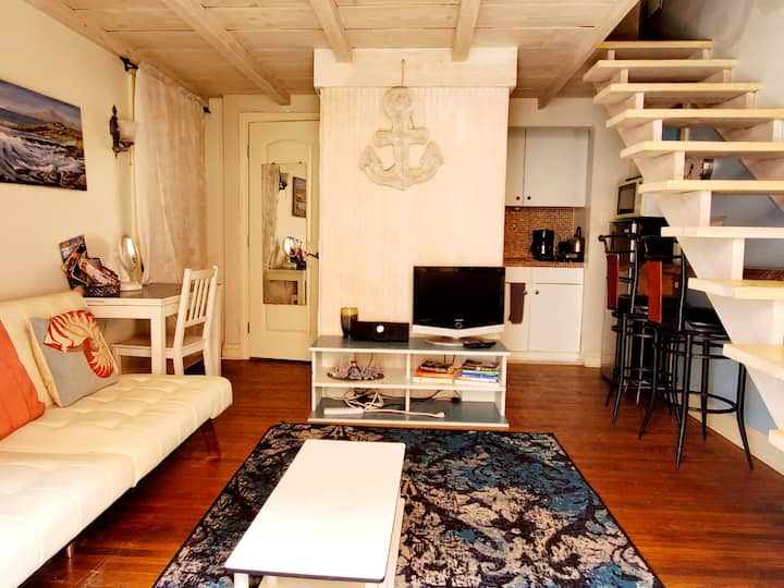 The Sand Castle studio Loft @ Venice Beach
