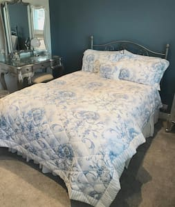 Beautiful double room with ensuite in Battle.