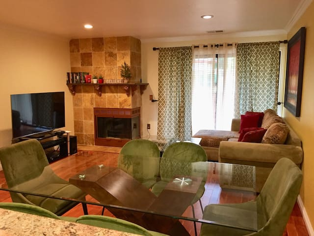 Cozy Entire 2 BR Home w/ WIFI,  Kitchen, SLEEPS 4