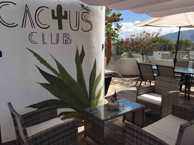 CACTUS CLUB/ Jade
